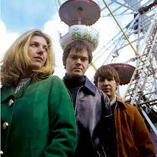 Saint Etienne lyrics