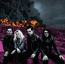 The Dead Weather - Dodge and burn lyrics